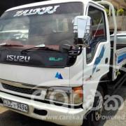 Isuzu ELF Truck 2000