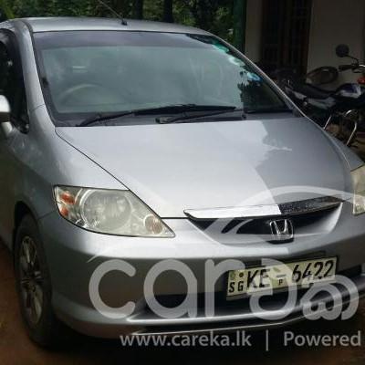Honda fit Aria  2004