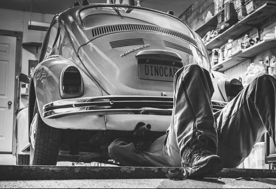 කාර් එක පරණ වෙද්දි අවධානය යොමු කළ යුතු කරුණු - Old car problems ? Pay attention to these warnings !